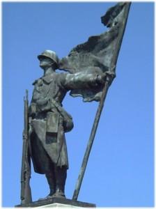 La statue de bronze : le soldat